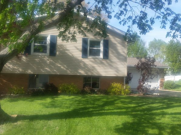 4 bed 2.5 bath Single Family at 2111 W Riviera Dr Peoria, IL, 61614 is for sale at 133k - 1 of 16