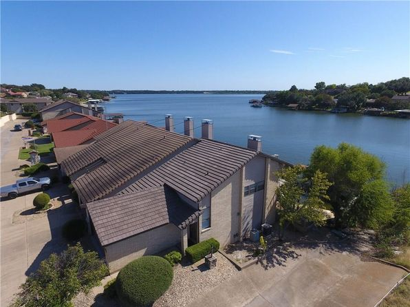 2 bed 3 bath Townhouse at 5100 La Vista Ct Granbury, TX, 76049 is for sale at 339k - 1 of 35