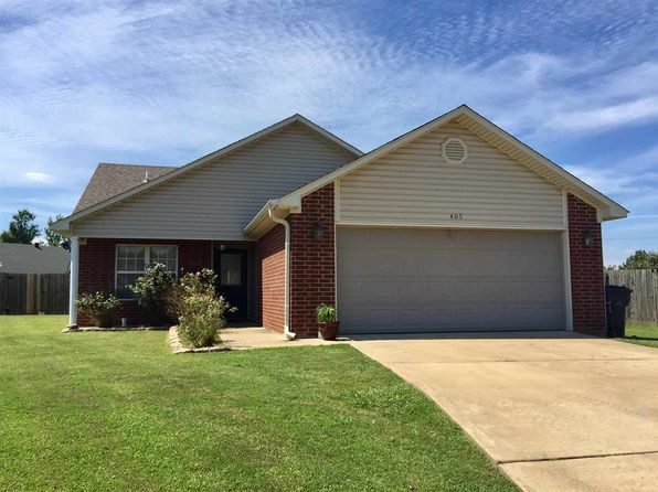 3 bed 2 bath Single Family at 405 Brittney Ln Jonesboro, AR, 72401 is for sale at 121k - 1 of 8