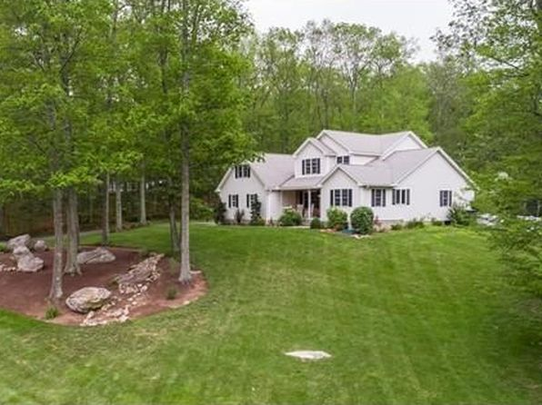 4 bed 2.5 bath Single Family at 8 Highland Cir Hampden, MA, 01036 is for sale at 420k - 1 of 30