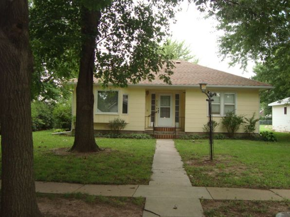 2 bed 2 bath Single Family at 216 W Elm St Waterville, KS, 66548 is for sale at 48k - 1 of 21