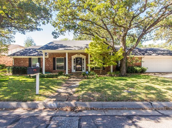 4 bed 3 bath Single Family at 2212 Canyonwood Dr Arlington, TX, 76012 is for sale at 249k - 1 of 43