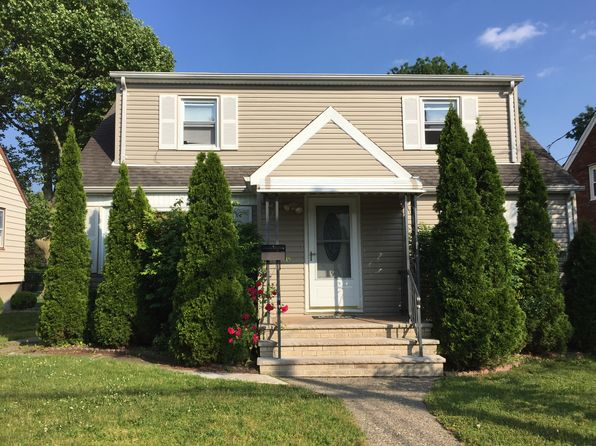 4 bed 2 bath Single Family at 191 Willet St Passaic, NJ, 07055 is for sale at 449k - 1 of 18