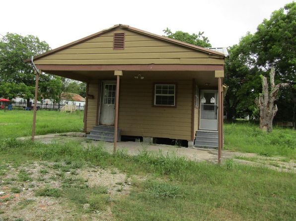 3 bed 1 bath Single Family at 420 N Vivier St Saint Martinville, LA, 70582 is for sale at 14k - 1 of 6