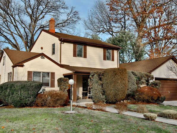 4 bed 4 bath Single Family at 5 Harlow Cres Fair Lawn, NJ, 07410 is for sale at 579k - 1 of 23
