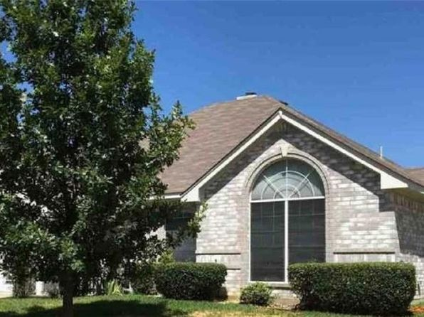 3 bed 2 bath Single Family at 1606 Western Creek Ln Haltom City, TX, 76137 is for sale at 196k - 1 of 23