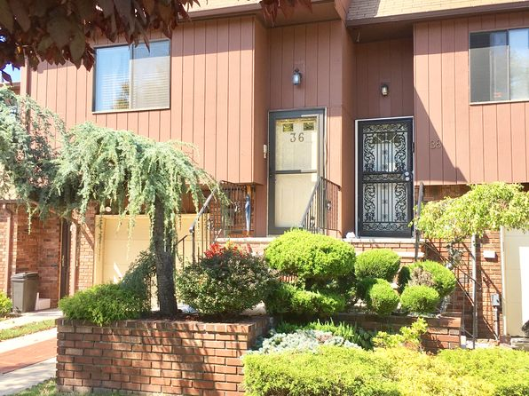3 bed 3 bath Townhouse at 38 Gateway Dr Staten Island, NY, 10304 is for sale at 559k - 1 of 24
