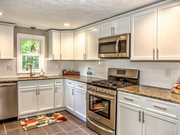 3 bed 1 bath Single Family at 179 Corona St Springfield, MA, 01104 is for sale at 170k - 1 of 29