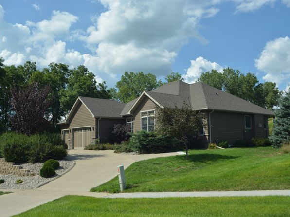 4 bed 3 bath Single Family at 701 DEERFIELD DR SIOUX CITY, IA, 51108 is for sale at 370k - 1 of 22