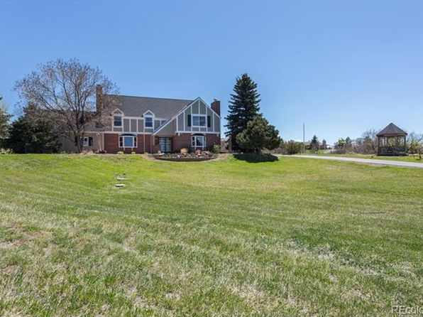 5 bed 3.5 bath Single Family at 122 W Surrey Dr Castle Rock, CO, 80108 is for sale at 800k - 1 of 26