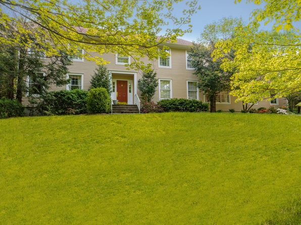 4 bed 3 bath Single Family at 22 Knapp Rd Pound Ridge, NY, 10576 is for sale at 850k - 1 of 26