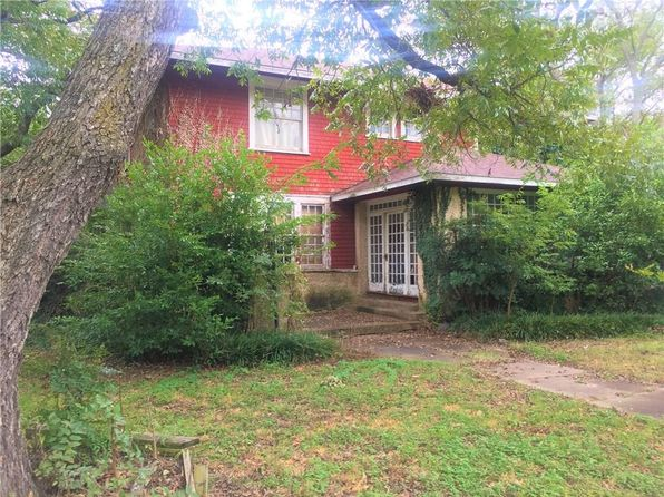 5 bed 4 bath Single Family at 415 Featherston St Cleburne, TX, 76033 is for sale at 165k - 1 of 9