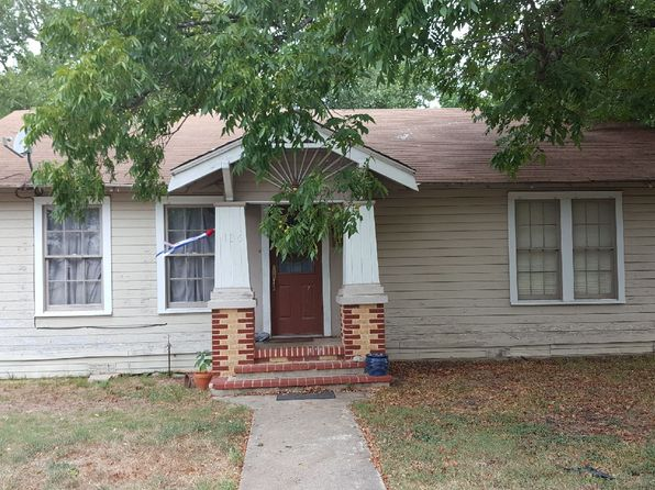 2 bed 1 bath Single Family at 136 W Davilla Ave Rockdale, TX, 76567 is for sale at 70k - 1 of 26