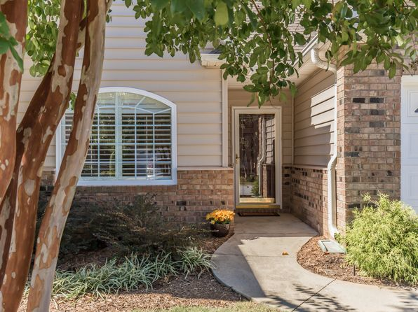 3 bed 3 bath Condo at 17 Pelham Springs Pl Greenville, SC, 29615 is for sale at 260k - 1 of 17