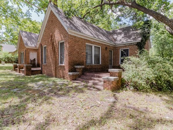 3 bed 1 bath Single Family at 290 Old Mill Rd Rhome, TX, 76078 is for sale at 78k - 1 of 32