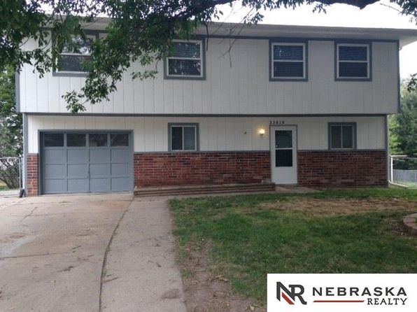 3 bed 2 bath Single Family at 23610 Elm Cir Waterloo, NE, 68069 is for sale at 147k - 1 of 11