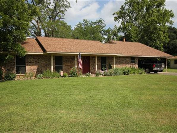 3 bed 3 bath Single Family at 814 County Road 123 Wharton, TX, 77488 is for sale at 295k - 1 of 34