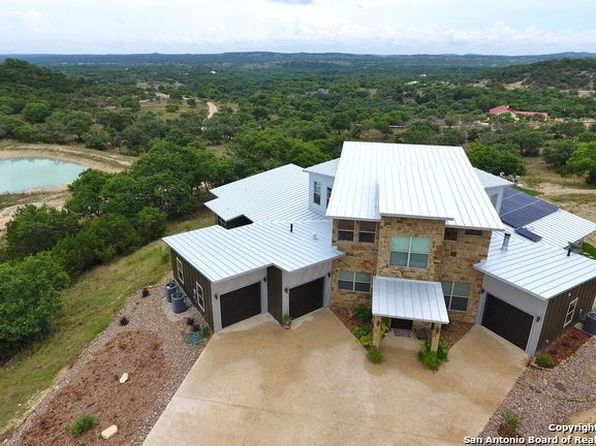 3 bed 4 bath Single Family at 132 Walnut Grove Rd Boerne, TX, 78006 is for sale at 998k - 1 of 25