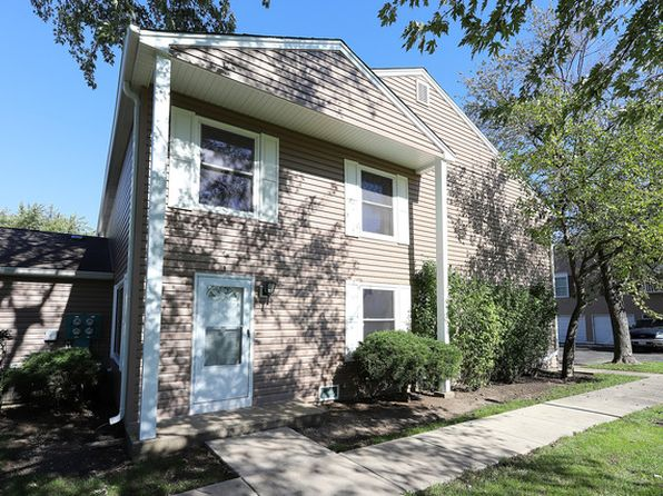 2 bed 1 bath Condo at 427 James Ct Glendale Heights, IL, 60139 is for sale at 110k - 1 of 20