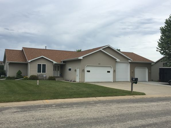 4 bed 3 bath Single Family at 917 Jefferson Ave SW Eyota, MN, 55934 is for sale at 290k - 1 of 14