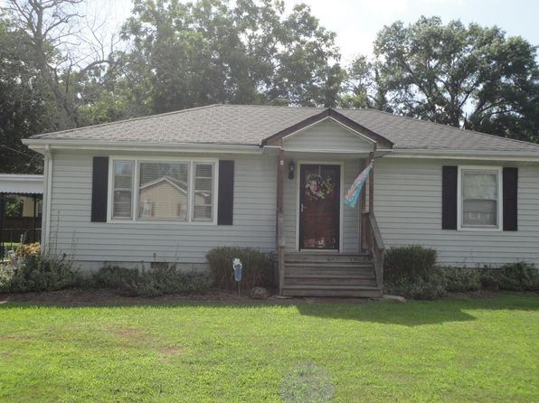 2 bed 1 bath Single Family at 1519 Greenslake Rd East Ridge, TN, 37412 is for sale at 89k - 1 of 8