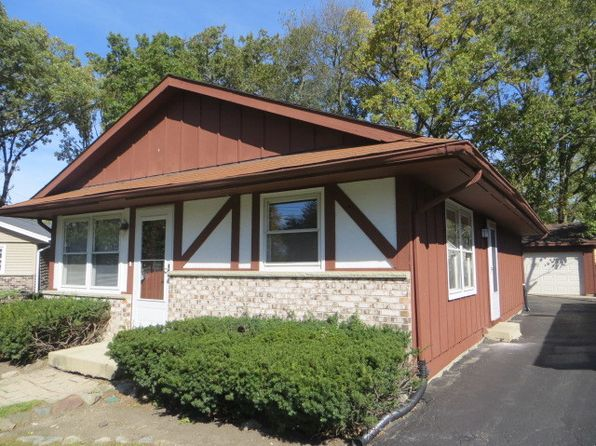 3 bed 2 bath Single Family at 19456 W Hoag Ct Mundelein, IL, 60060 is for sale at 135k - 1 of 20
