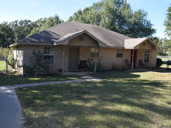 2 bed 1 bath Single Family at 725 Anderson Rd Reno, TX, 75462 is for sale at 110k - 1 of 3