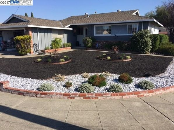 3 bed 2 bath Single Family at 1892 Dove Way Hayward, CA, 94545 is for sale at 685k - 1 of 4