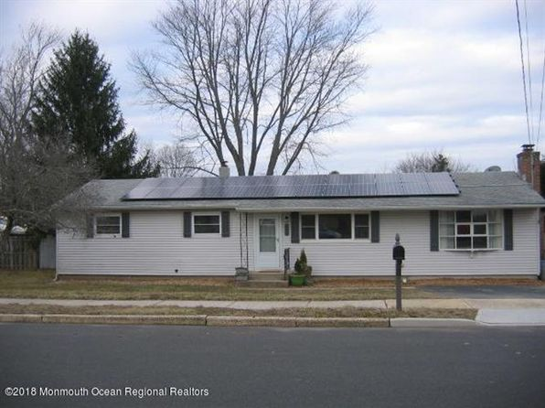 3 bed 2 bath Single Family at 43 Alan Ter Howell, NJ, 07731 is for sale at 283k - 1 of 12