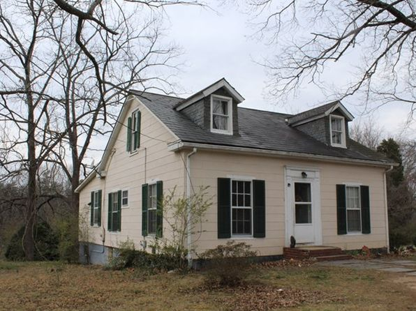 3 bed 2 bath Single Family at 425 Circle Dr Arvonia, VA, 23004 is for sale at 50k - 1 of 2