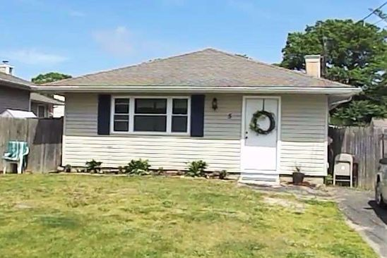 3 bed 1 bath Single Family at 5 Hollywood Dr Shirley, NY, 11967 is for sale at 159k - google static map