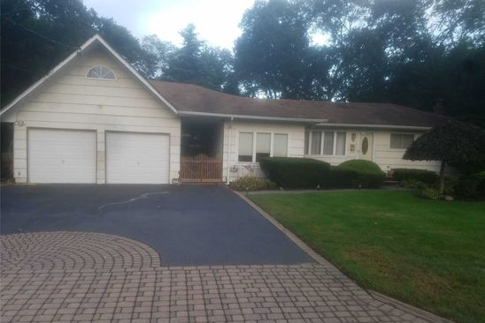 3 bed 2 bath Single Family at 15 Pine Acres Blvd Deer Park, NY, 11729 is for sale at 350k - google static map