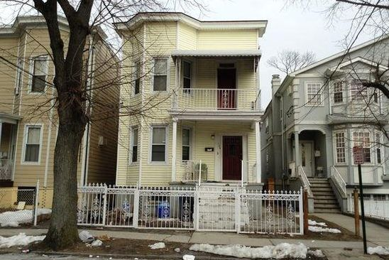 7 bed 2 bath Multi Family at 139 S 12TH AVE MOUNT VERNON, NY, 10550 is for sale at 349k - google static map