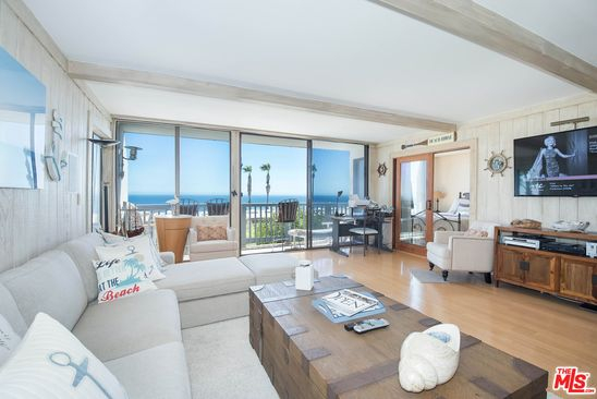 2 Bed Bath At 11966 Oceanaire Ln Malibu Ca 90265 Is For