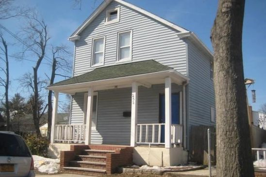 4 bed 2.5 bath Single Family at Undisclosed Address Westbury, NY, 11590 is for sale at 399k - google static map