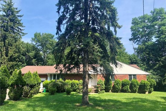 6 bed 2 bath Single Family at 19 EASTVIEW RD MONSEY, NY, 10952 is for sale at 899k - google static map