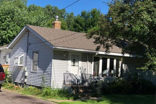 3 bed 1 bath Single Family at 2587 EDGERTON ST SAINT PAUL, MN, 55117 is for sale at 190k - google static map