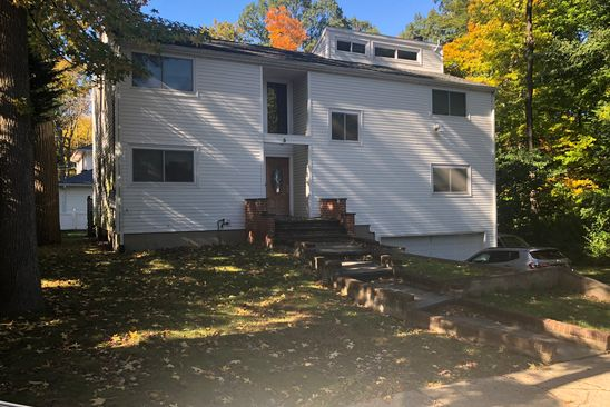 4 bed 3 bath Single Family at 5 CRESTWOOD PL GREAT NECK, NY, 11024 is for sale at 1.05m - google static map