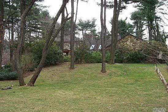 3 bed 3 bath Single Family at Undisclosed Address Westbury, NY, 11568 is for sale at 800k - google static map