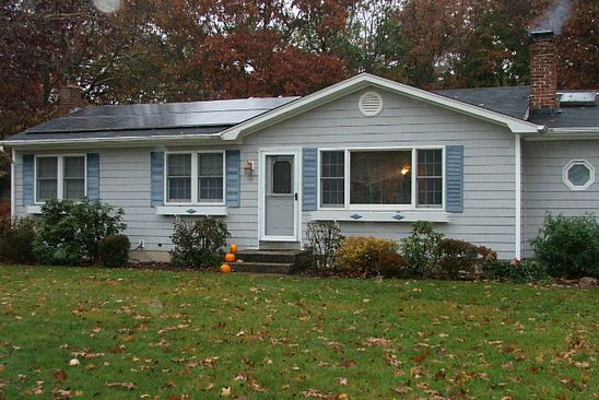 3 bed 2 bath Single Family at 10 Howell Pl Speonk, NY, 11972 is for sale at 398k - google static map