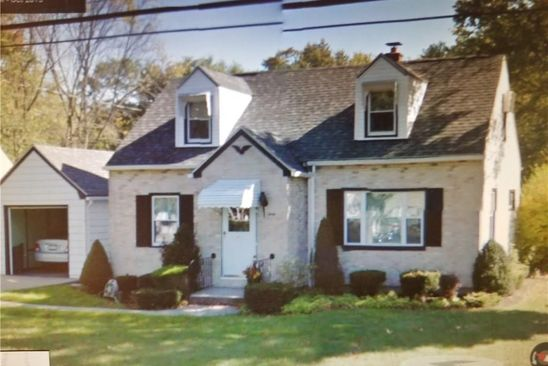 3 bed 2 bath Single Family at 40 MILFORD ST HAMBURG, NY, 14075 is for sale at 160k - google static map