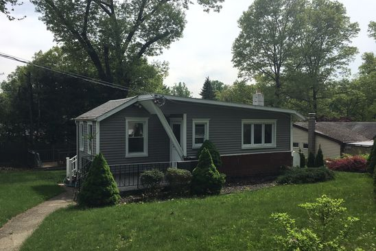 2 bed 1 bath Single Family at 39 Brandeis Ave Mohegan Lake, NY, 10547 is for sale at 225k - google static map