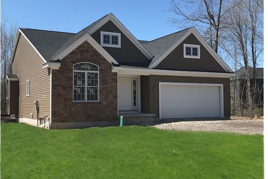 3 bed 2 bath Single Family at 7 South Dr West Seneca, NY, 14218 is for sale at 327k - google static map