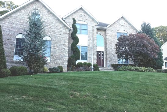 4 bed 3 bath Single Family at 35 JUDITH ST NANUET, NY, 10954 is for sale at 749k - google static map
