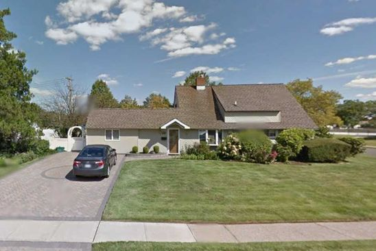 6 bed 4 bath Single Family at 27 LION LN WESTBURY, NY, 11590 is for sale at 497k - google static map