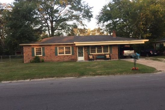 4 bed 2 bath Single Family at 141 Beech St Columbus, MS, 39702 is for sale at 75k - google static map