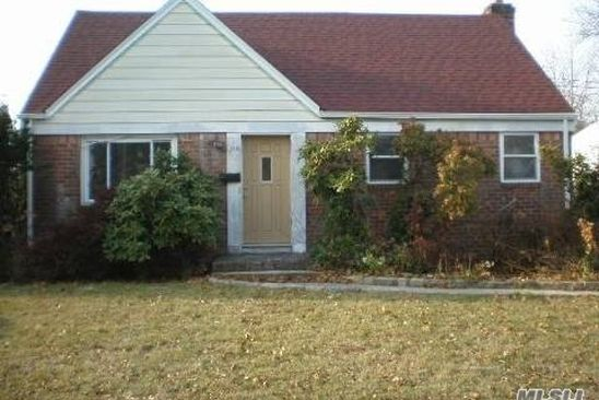 4 bed 3 bath Single Family at Undisclosed Address ELMONT, NY, 11003 is for sale at 419k - google static map