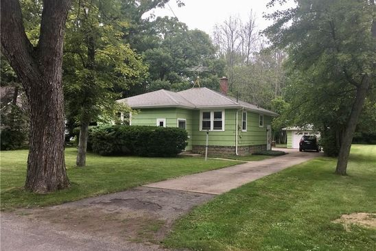 3 bed 2 bath Single Family at 565 WILLOW AVE NORTH TONAWANDA, NY, 14120 is for sale at 120k - google static map