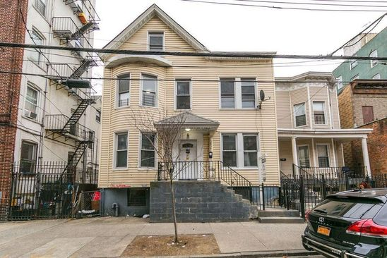 5 bed 2 bath Condo at 2836 Valentine Ave Bronx, NY, 10458 is for sale at 475k - google static map