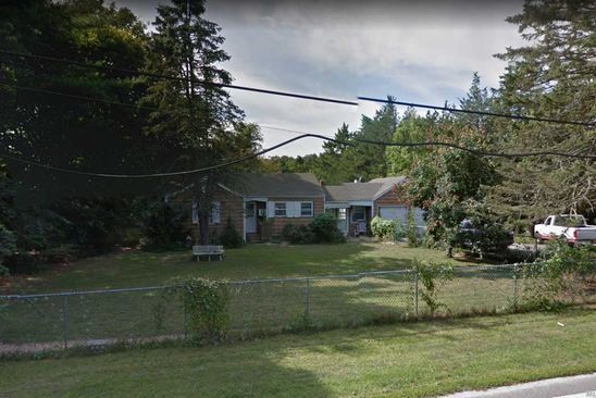 3 bed 2 bath Single Family at 25 Tuttle Ave Eastport, NY, 11941 is for sale at 240k - google static map